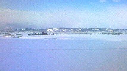 滝川郊外ではまだ一面の雪
