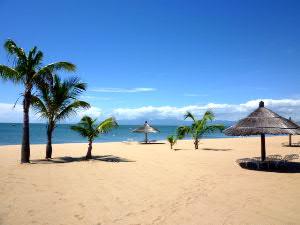 プランタイルから北200キロ・世界遺産マラウィ湖畔