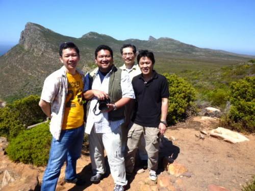 左から鈴木さん、小椋さん、私、藤本さん