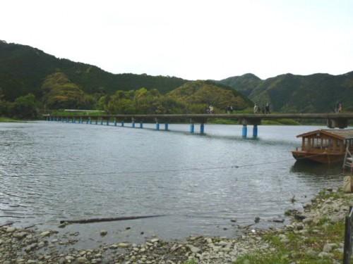 四万十川に架かる「沈下橋」の一つ