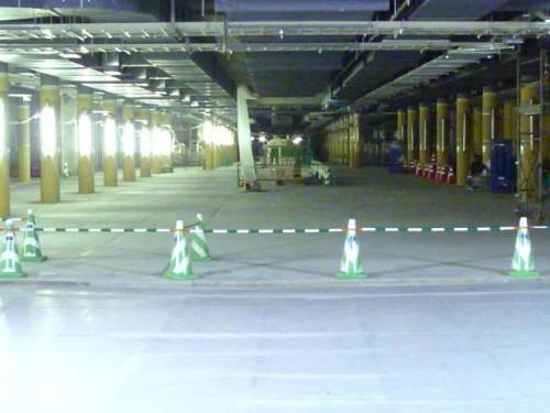 地下通路:大通から駅方面を眺めると