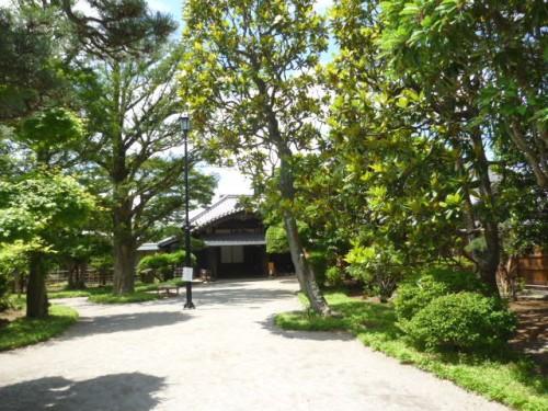 藩主堀田家の邸宅