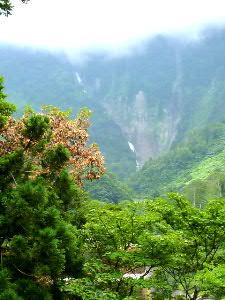 称名滝を臨む