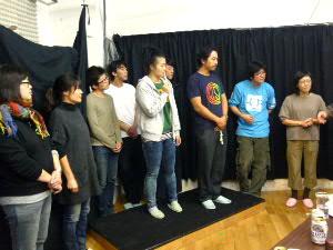 公演後の交流会で:釜山から監督・スタッフ・キャスト