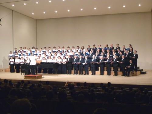 札東高・札南高OB&OG合唱団、総勢100名超の大合唱!