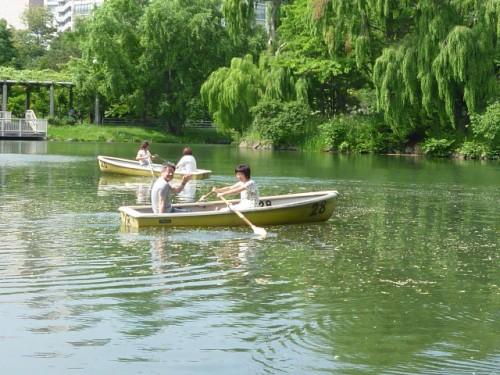 日曜日の午後、中島公園での一コマ