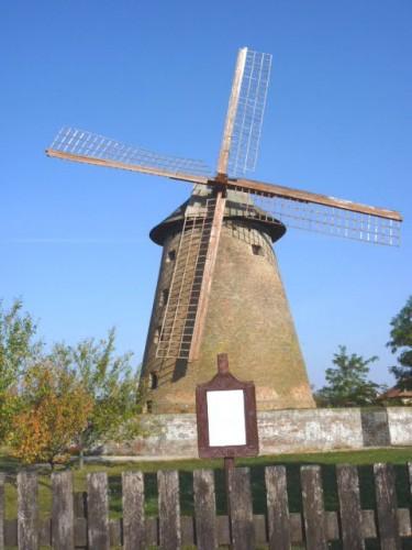 大きな風車:ハンガリー西部の農村