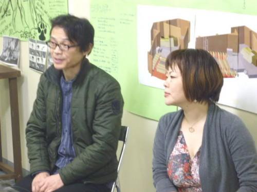 劇団千年王国の橋口幸絵さん(右)と民俗楽器奏者の福井岳郎さん(左)