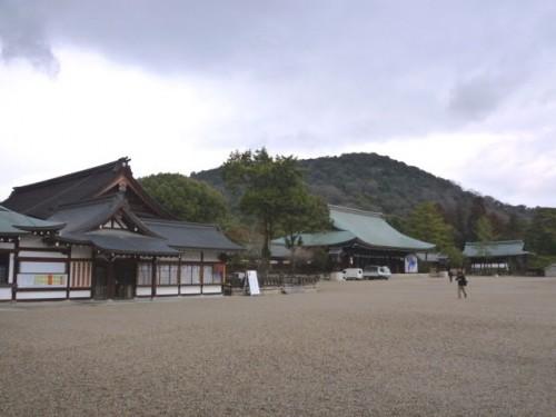 橿原神宮:本殿を望む