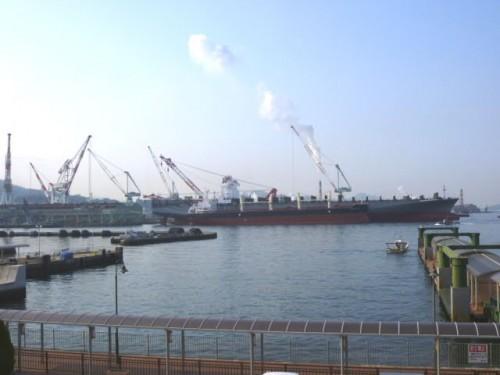 大和ミュージアムから造船工場を望む