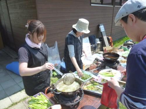 春は「山菜天ぷら」で