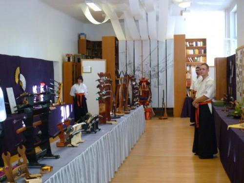 IBFにより日本刀・鍔・鎧の展示会