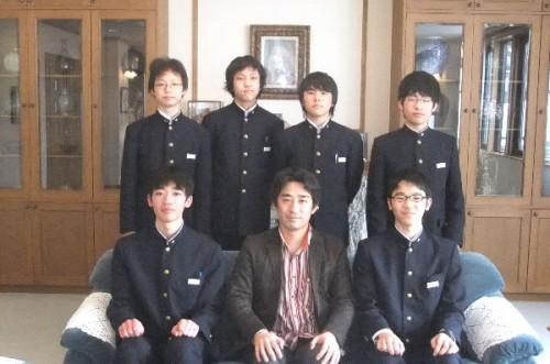 日本の科学技術の将来を託したい生徒と先生