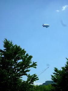 空には飛行船