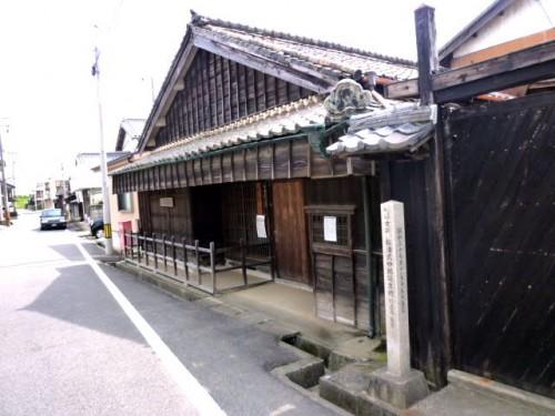 伊勢神宮へ続く街道沿いにある松浦武四郎の生家
