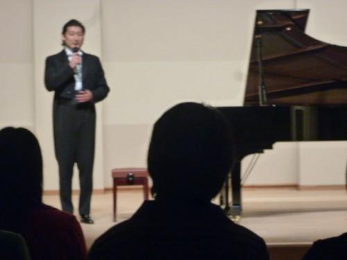 阿久澤さんのピアノ演奏