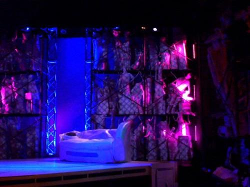 舞台には120体を越えるロボットたち