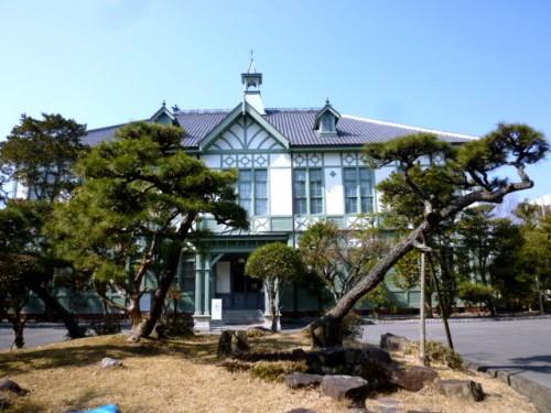 奈良女子大学正門の奥