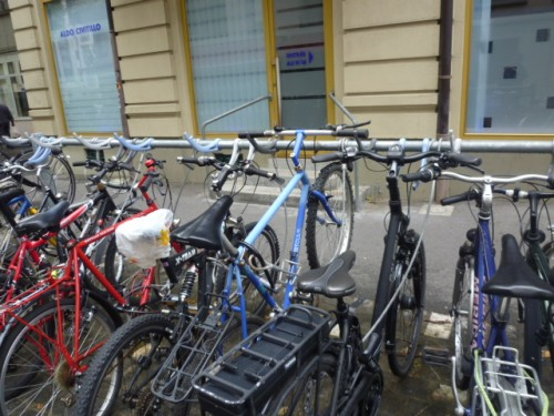 自転車置き場も工夫を凝らして
