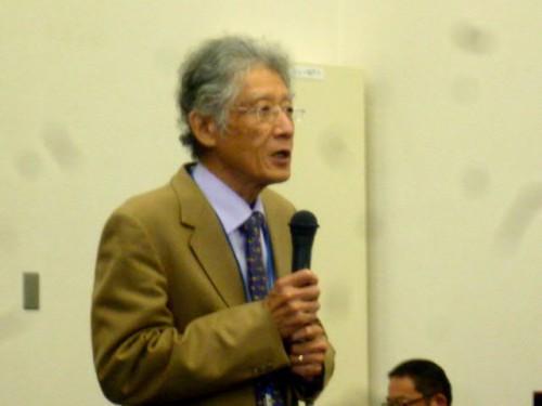 センター長の伏谷先生