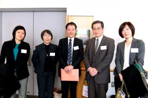 終了後、被災看護の第一人者・尾山とし子先生&根本昌宏先生、財団スタッフ