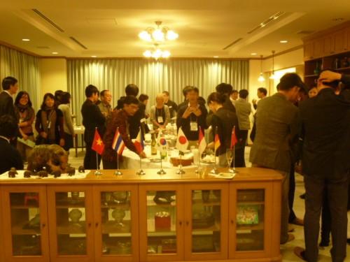ウェルカムパーティを秋山財団事務所で