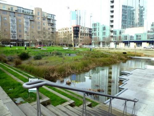 幾つかの空き地は個性的で市民に優しい公園に変身