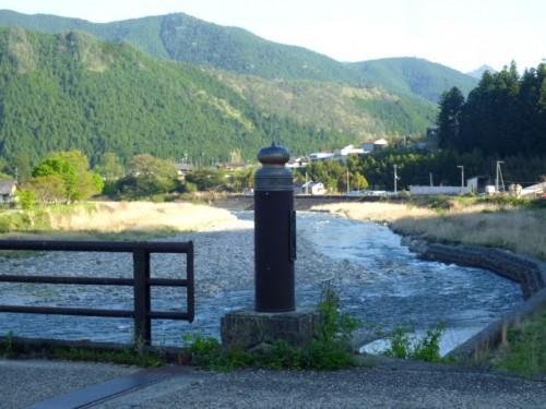 日置川と北野橋、渡って近露王子