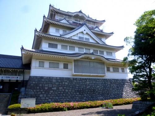 復元したお城の中に郷土博物館