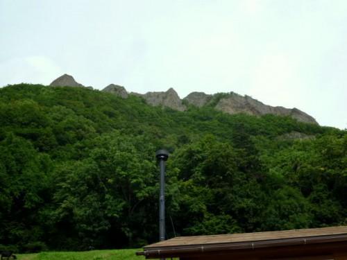 八剣山の峰、498m
