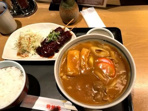 名古屋では久しぶりにカレーうどんと味噌カツ