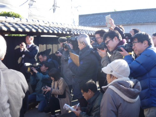 松阪市・松浦武四郎生誕地での報道陣