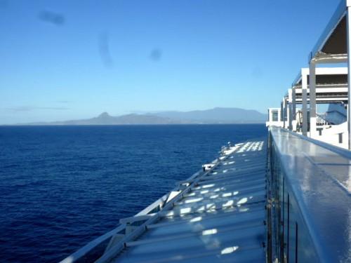 特徴ある山並みのカウアイ島