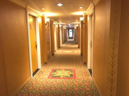 宿泊ホテルの客室フロアー