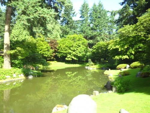 日本(池畔)と北米大陸(その奥)のハーモニー・融合