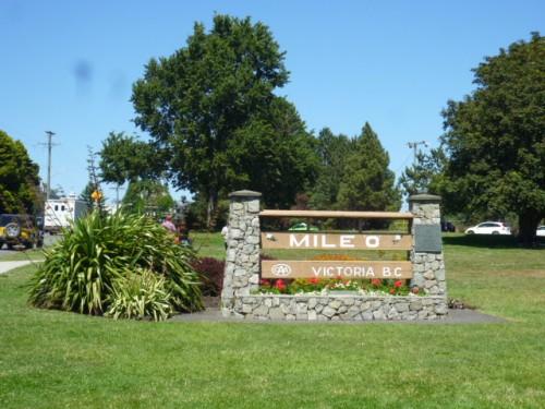 トランス・カナダ・ハイウエイの始点「 Mile Zero」の標識