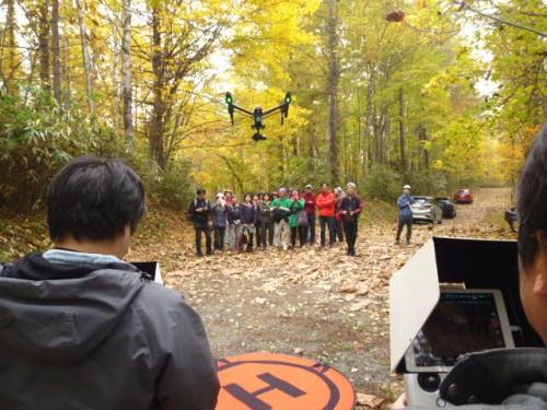 ドローンによる学校林上空からの撮影も!