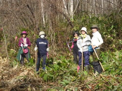 中心になって活躍した松本美奈子さん、宮本敏子さん、最終作業のパワフル女子5名の皆さん、脱帽です!!!