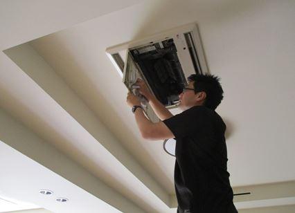 天井換気扇の清掃も