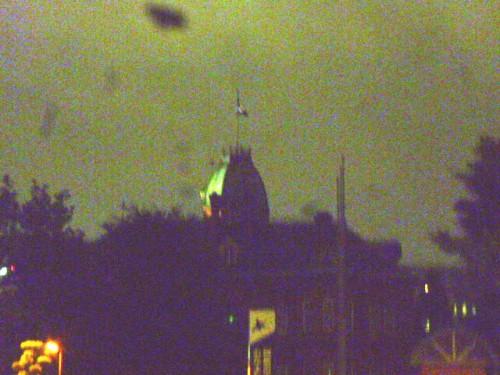 夜空にそびえ建つ北海道庁旧本庁舎