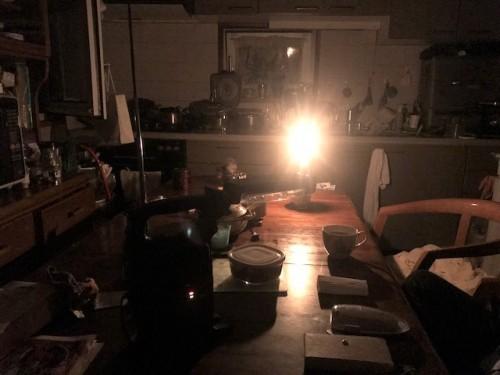 ランタンの灯とロウソク