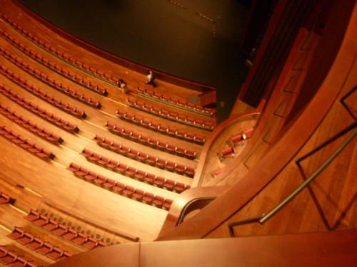 4階席から舞台を望む