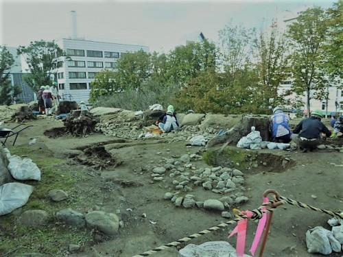 盛岡城本丸近くでの遺跡発掘現場
