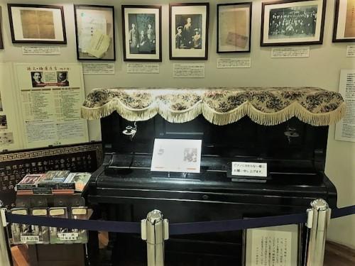 伝説のピアノ