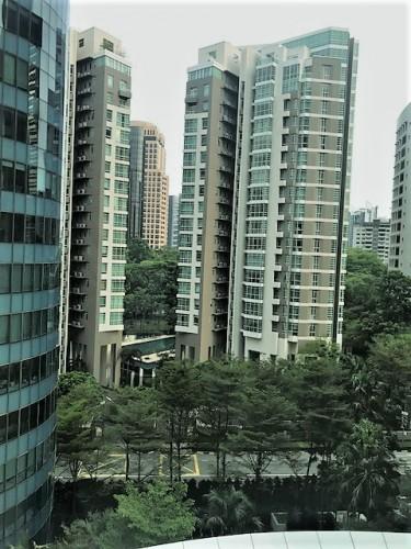 ホテルから見える高級アパート群