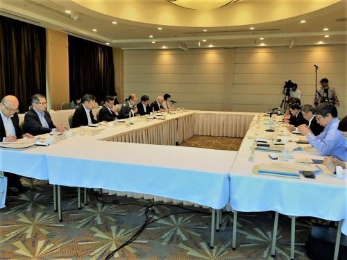 北海道経済同友会から石井・渡邊代表幹事ほか私も