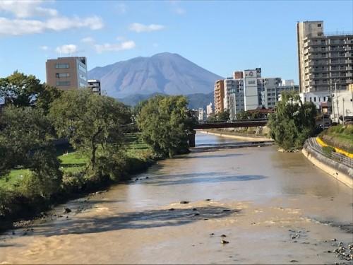岩手山と盛岡市内を流れる川もそれ程の増水はなく