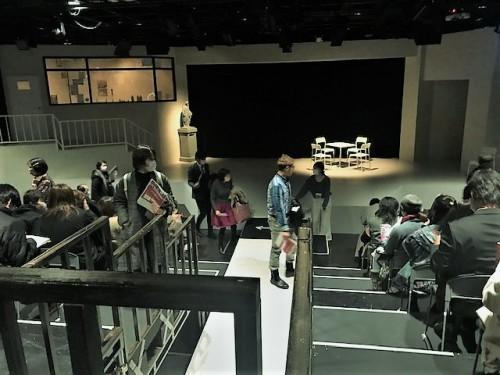 開演直前の舞台