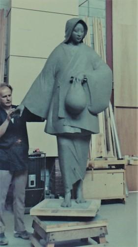 日本で最初の作品『母子像』