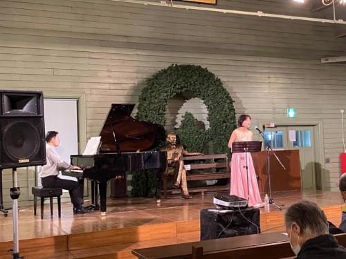 野田常喜さんのピアノと吉村さんのソプラノ